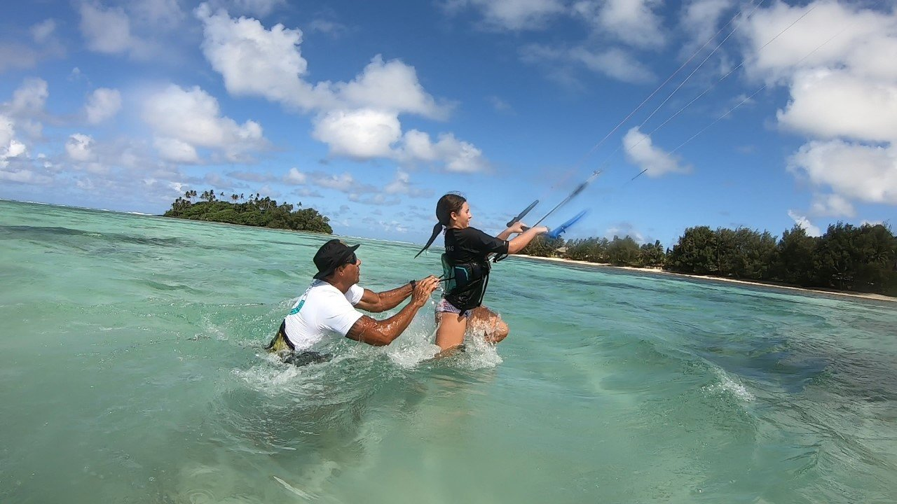 Learning how to kitesurf in the Cook Islands