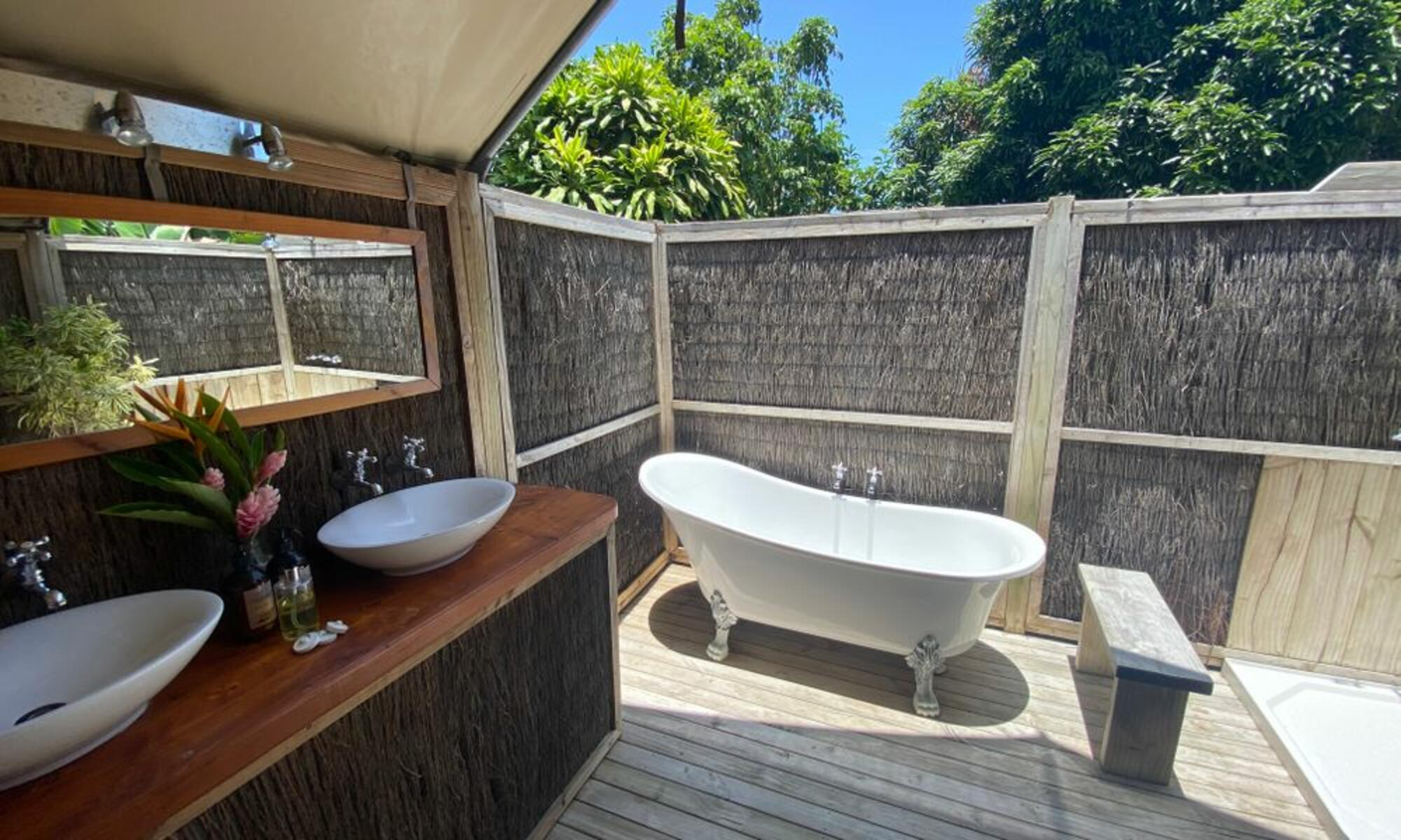 Ikurangi Retreat - Tub