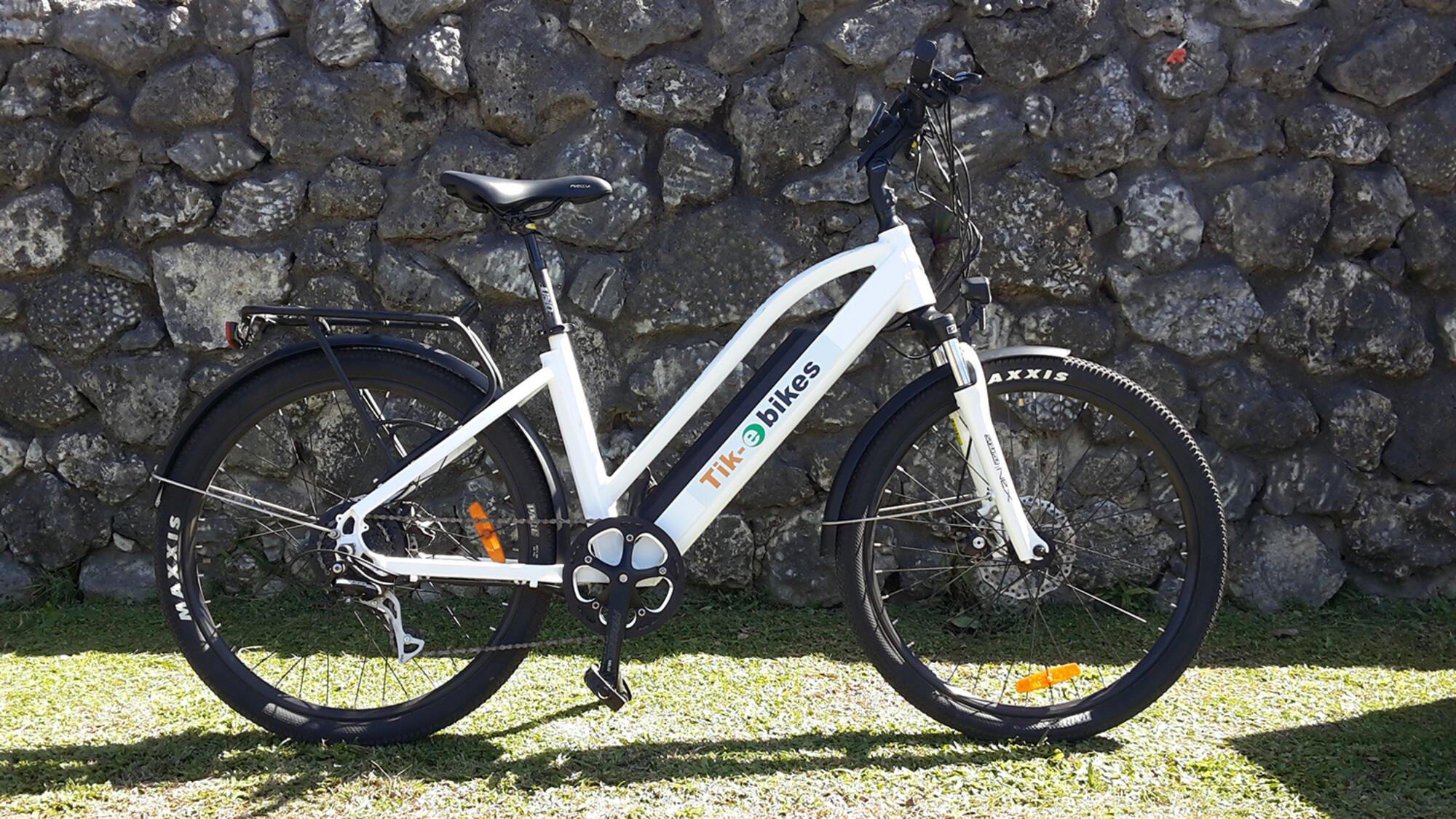 Hire e-Bikes in Rarotonga with Tik-e Tour