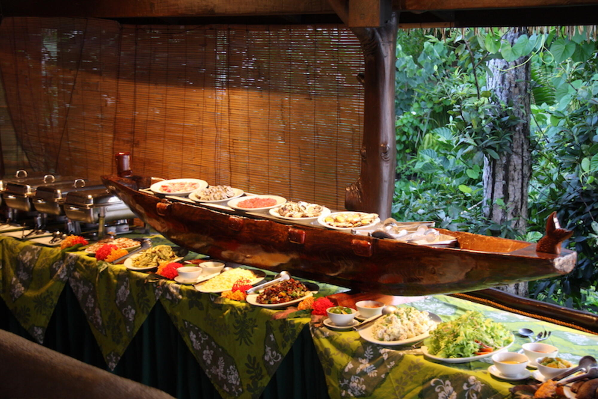 Island Night Buffet Dinner at Pacific Resort Aitutaki