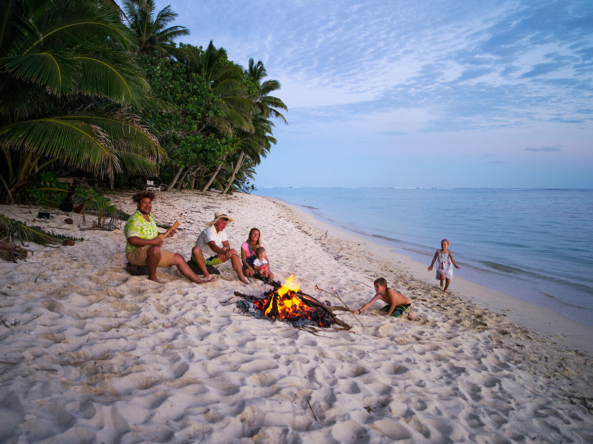 Sunset family in the Cook Islands